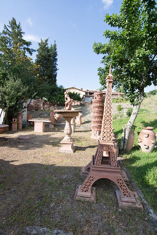 エッフェル塔とピサの斜塔